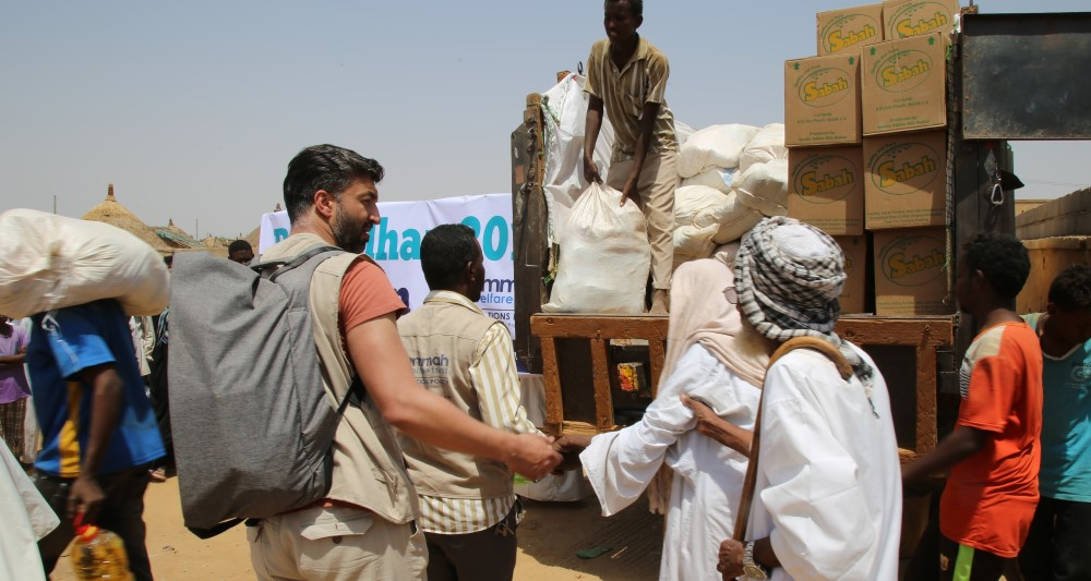 Distributing Iftaar Packs In Kassala